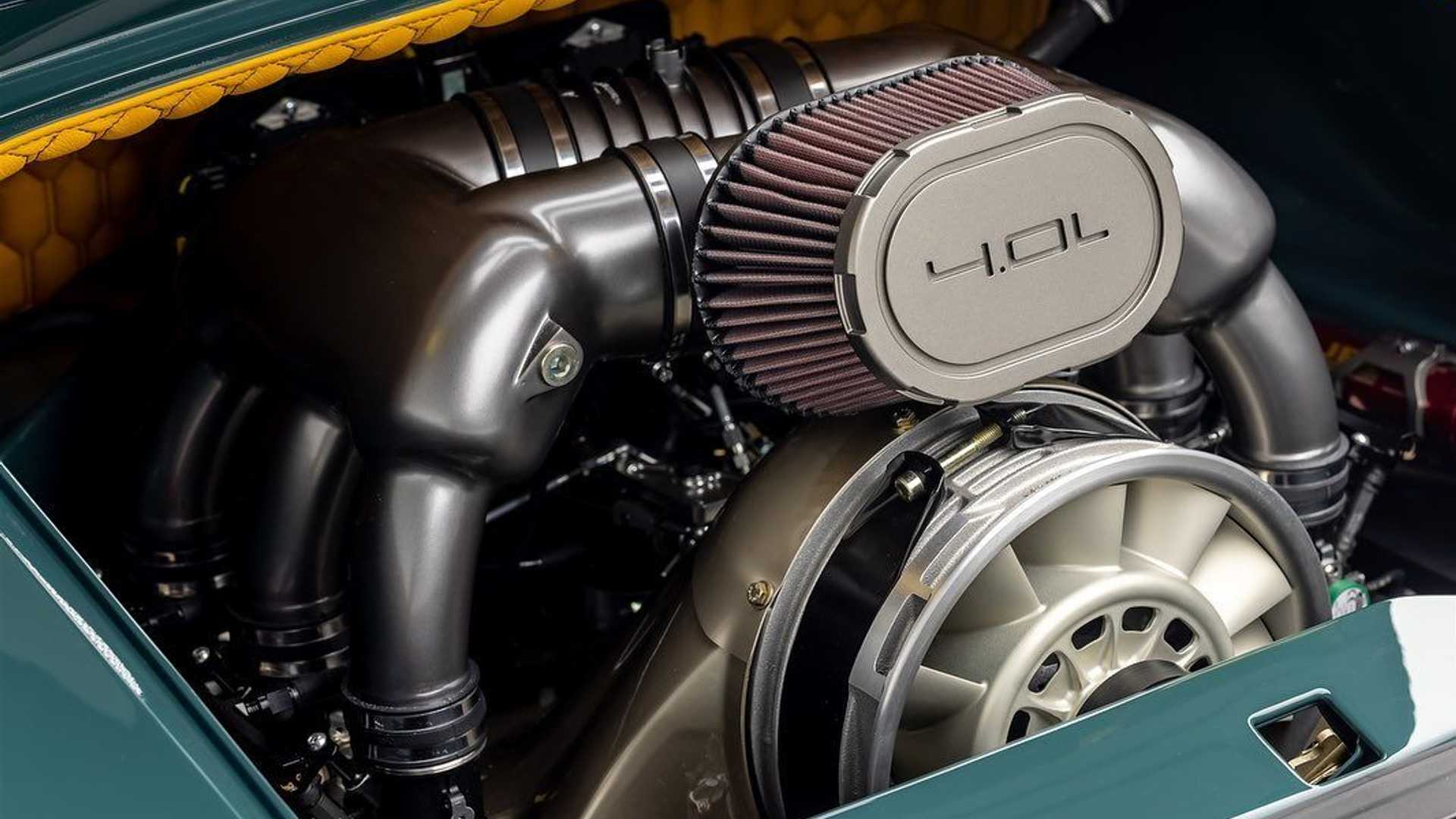 Porsche-911-993-Speedster-Remastered-by-Gunther-Werks-7