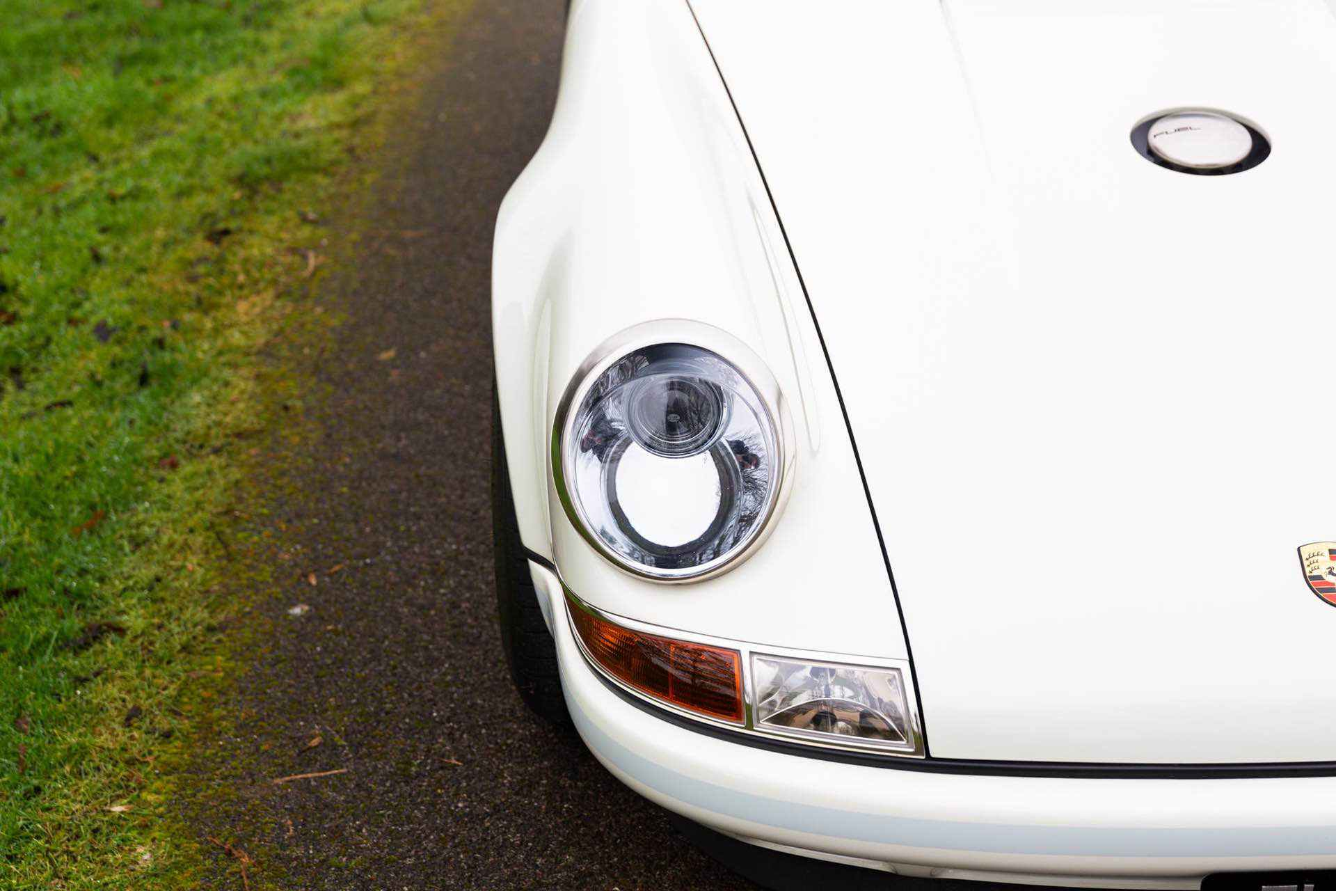 Porsche_911_by_Singer_Newcastle_Commission_0002
