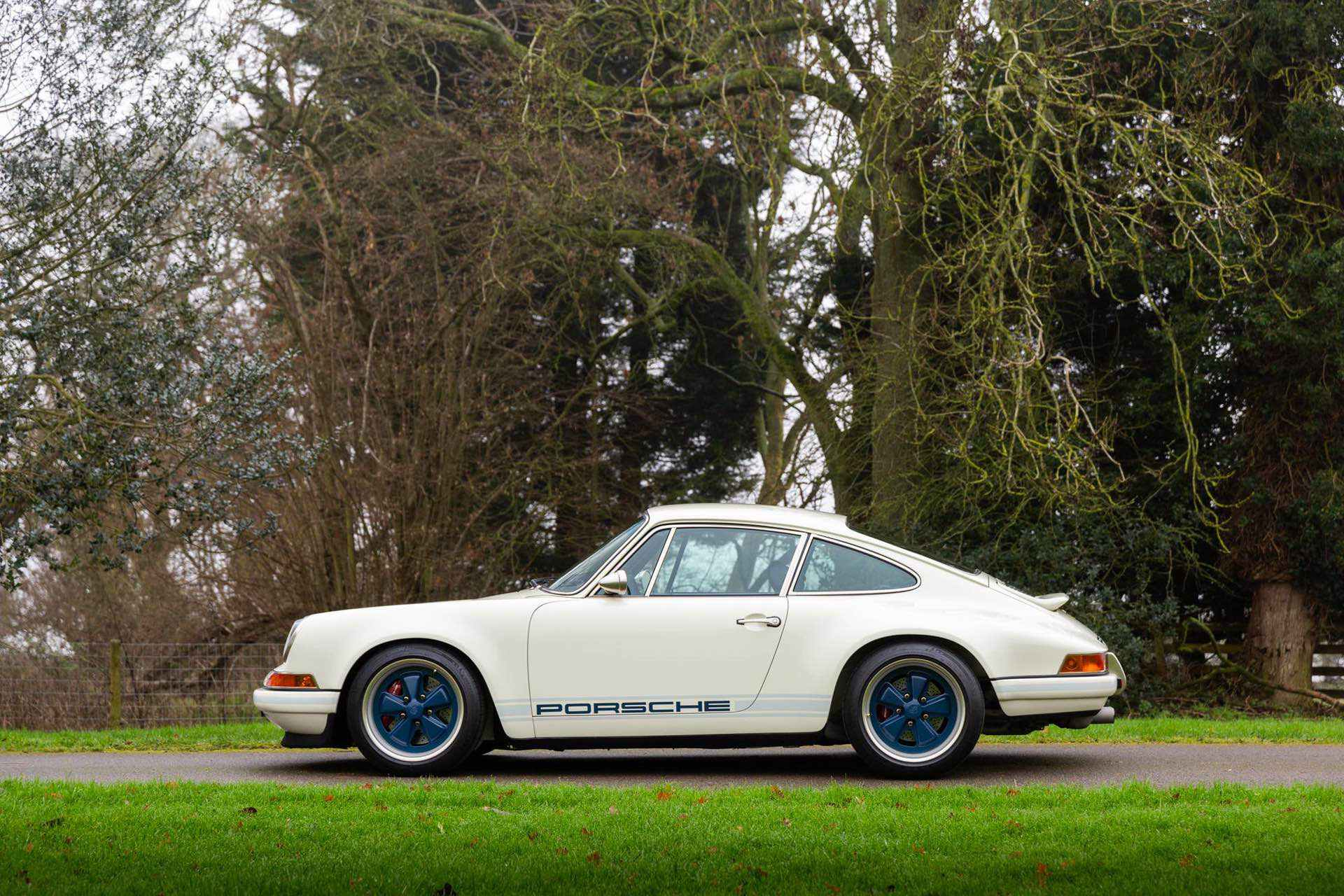 Porsche_911_by_Singer_Newcastle_Commission_0017