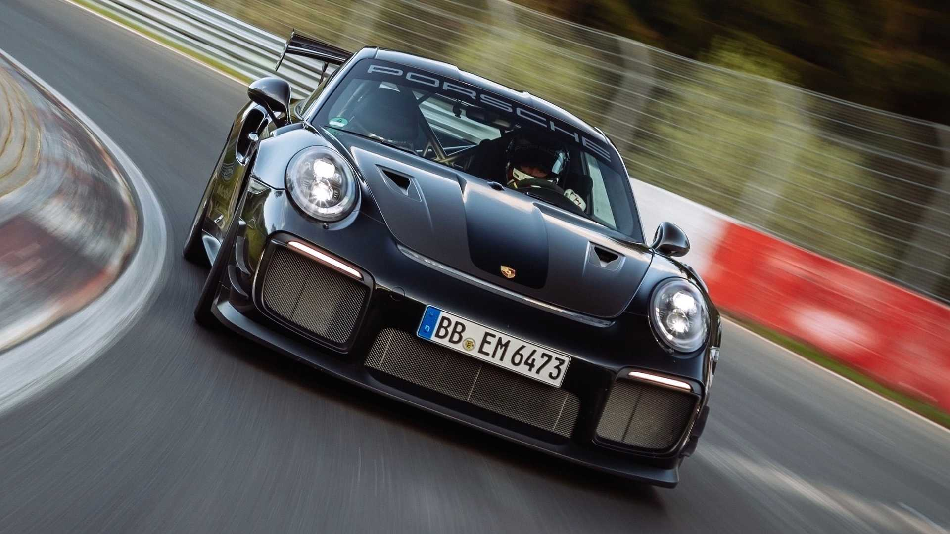 Porsche-911-GT2-RS-Manthey-Performance-Kit-Nurburgring-Record-22