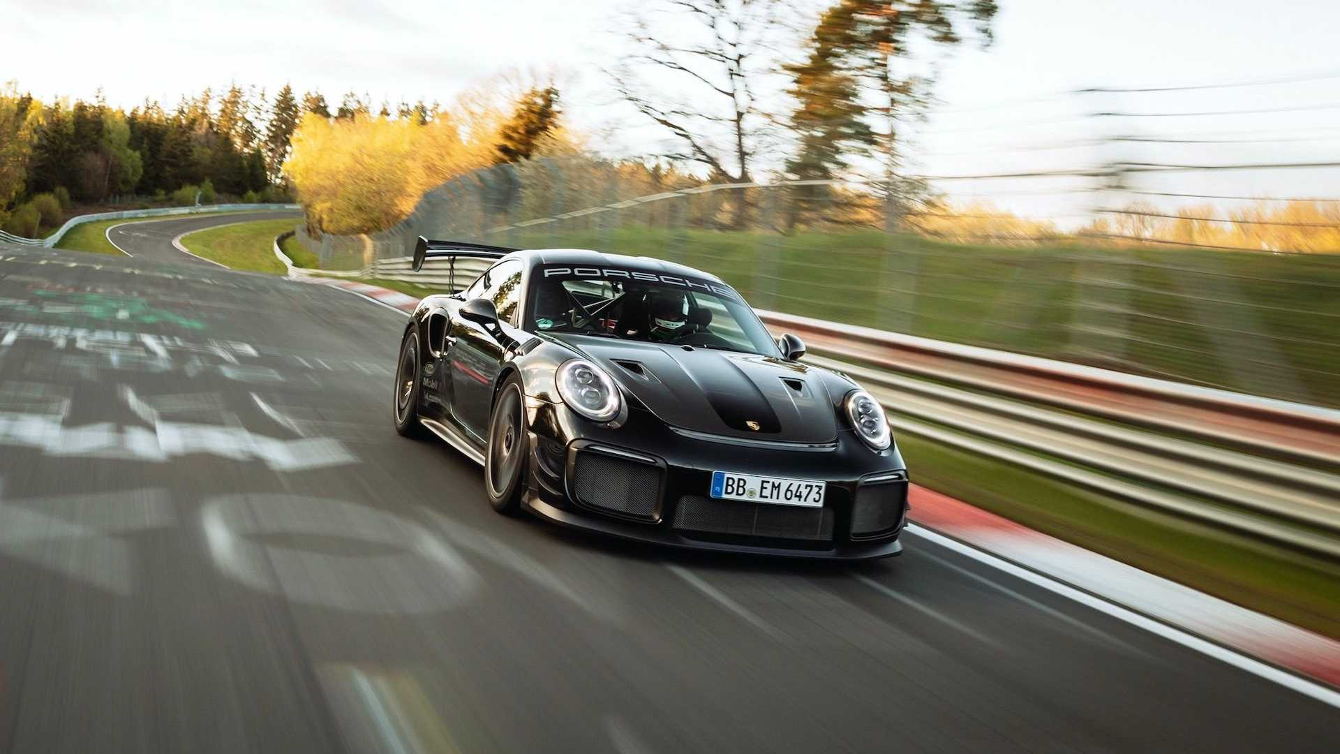 Porsche-911-GT2-RS-Manthey-Performance-Kit-Nurburgring-Record-28