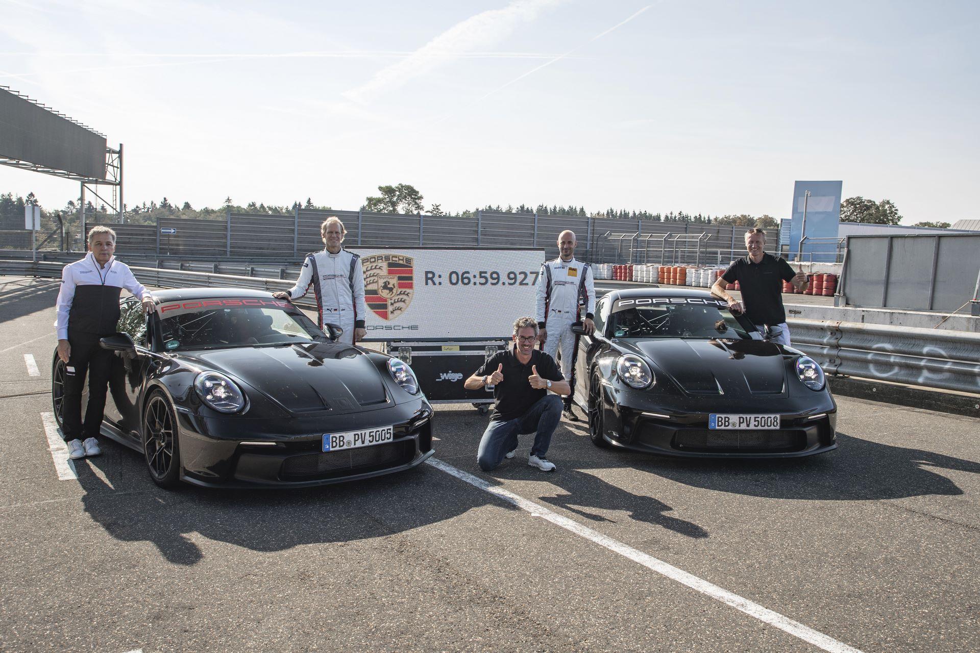 Porsche-911-GT3-2021-11