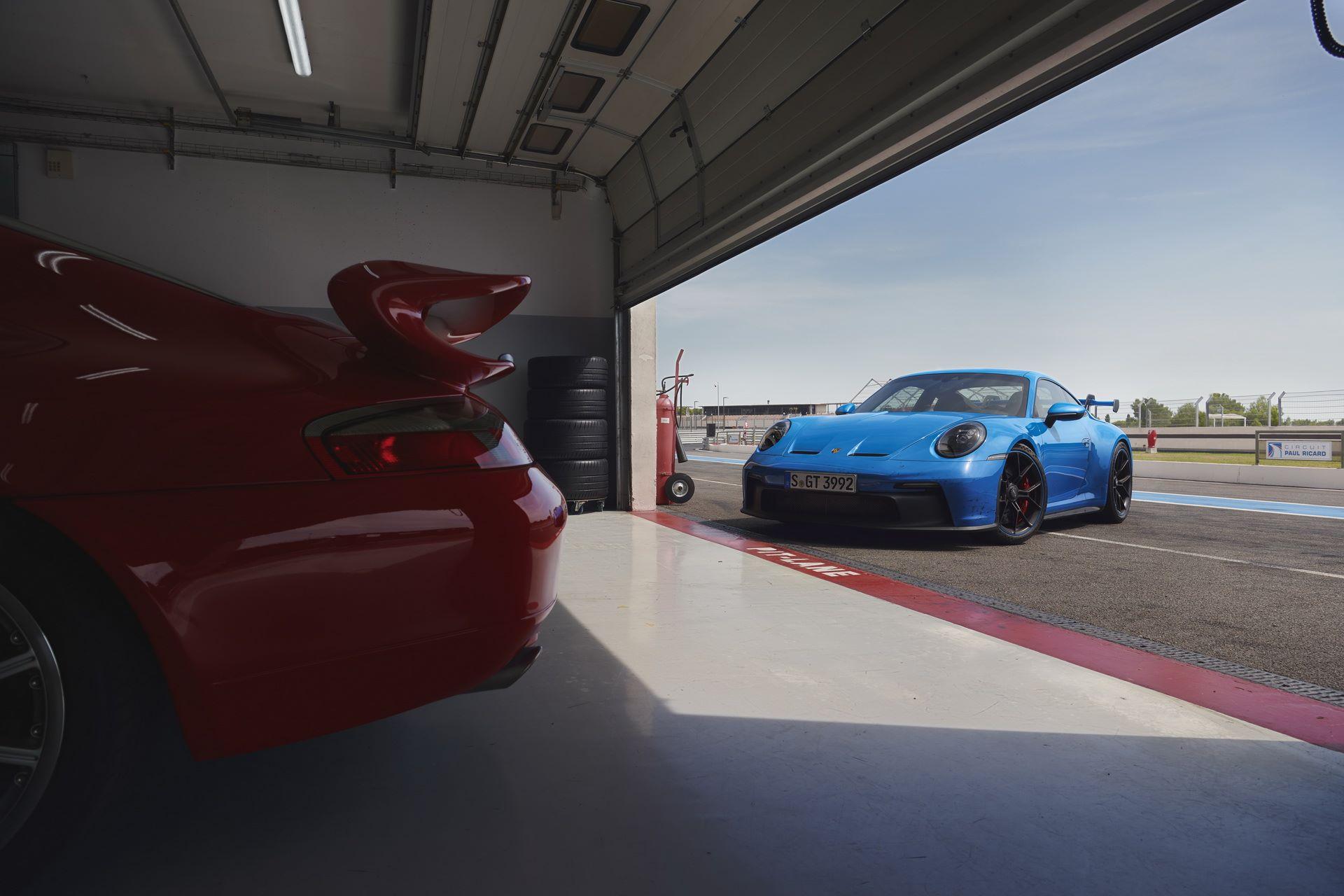 Porsche-911-GT3-2021-13