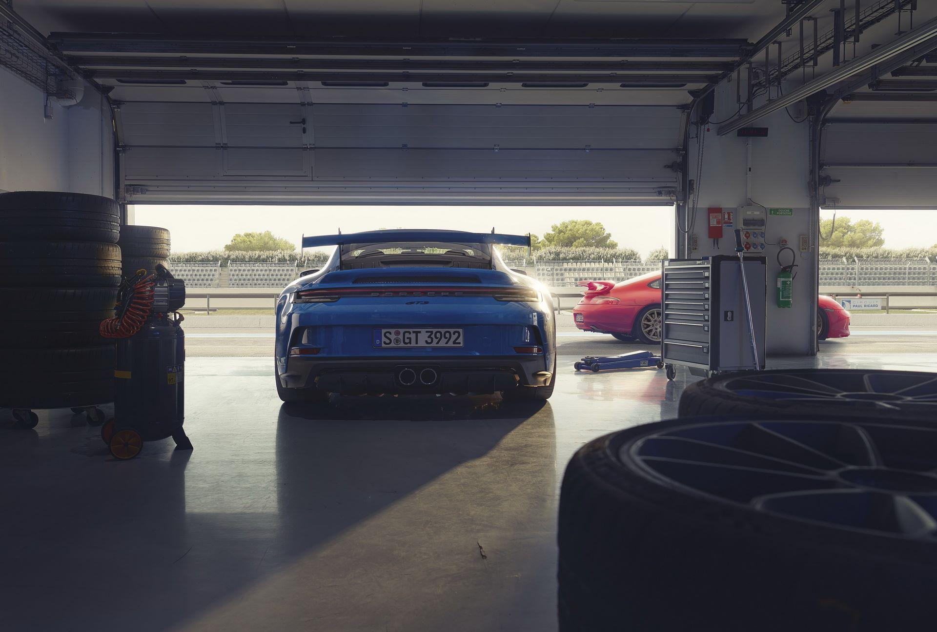 Porsche-911-GT3-2021-14