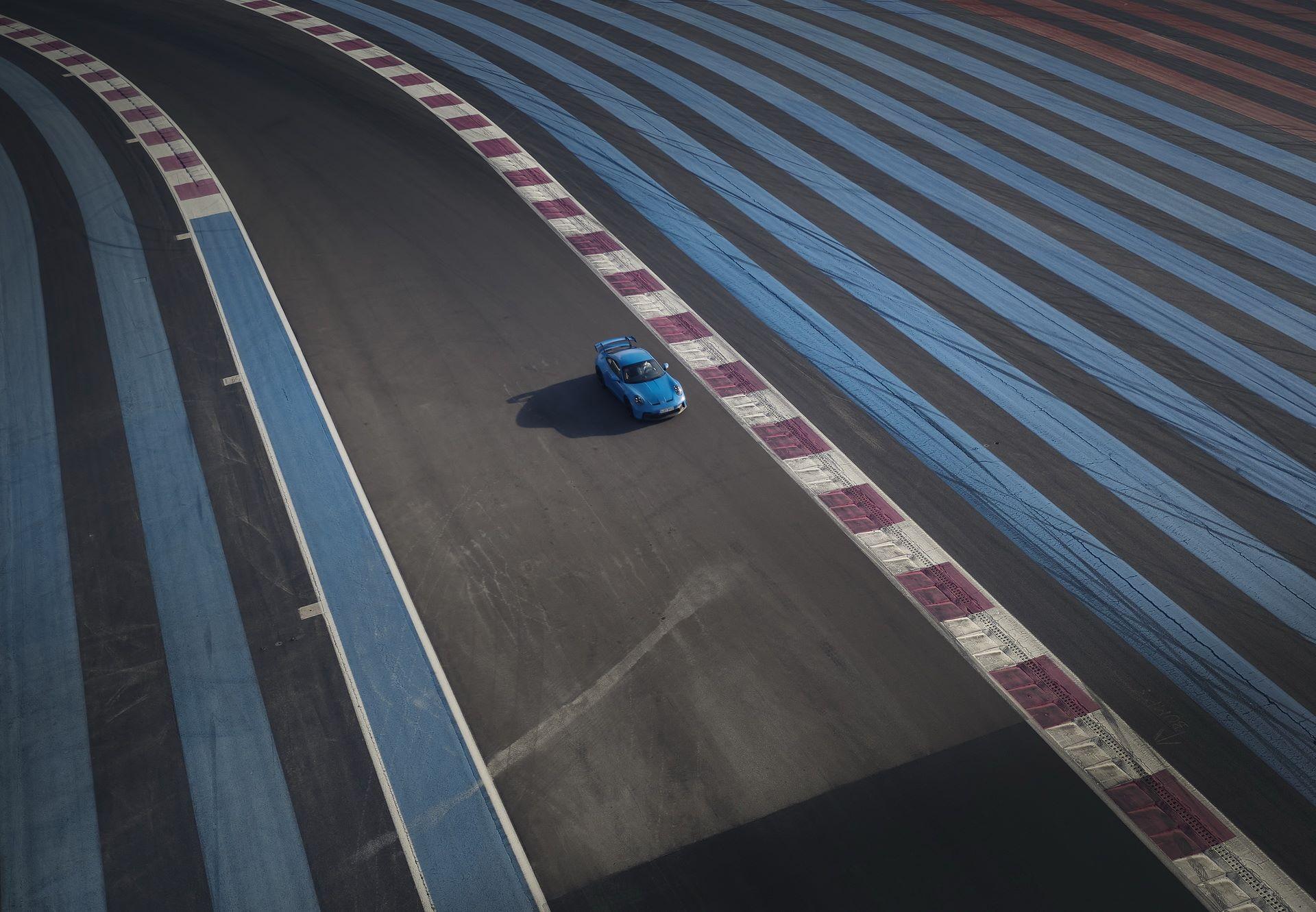 Porsche-911-GT3-2021-16