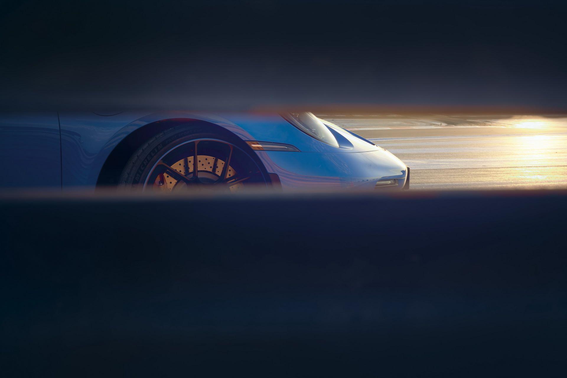 Porsche-911-GT3-2021-18