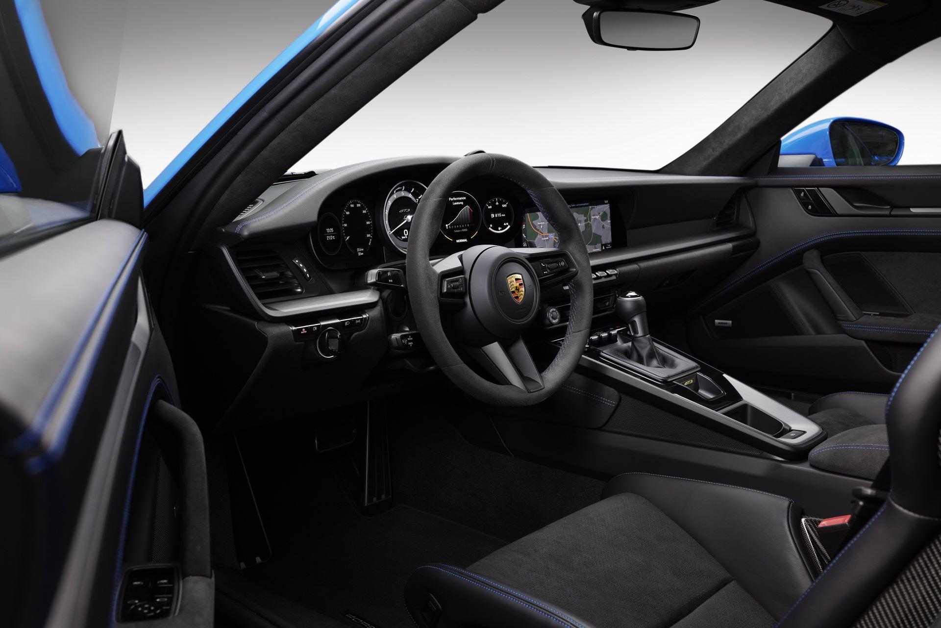 Porsche-911-GT3-2021-24