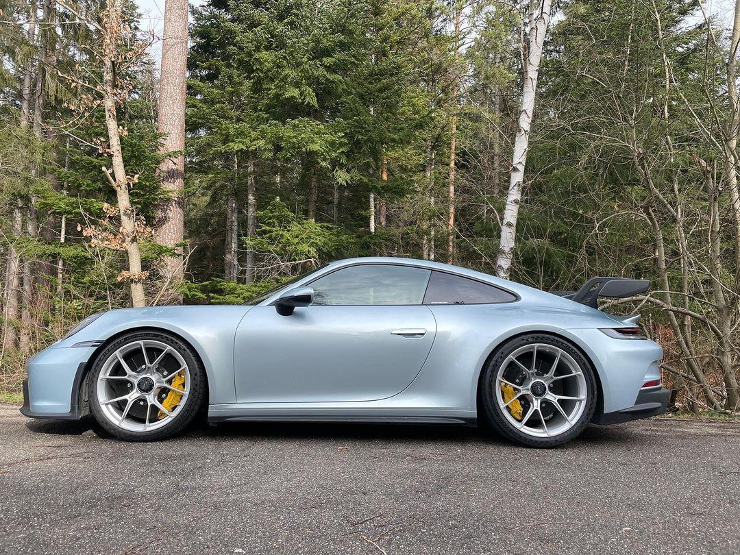 Porsche-911-GT3-Lamborghini-Color-1