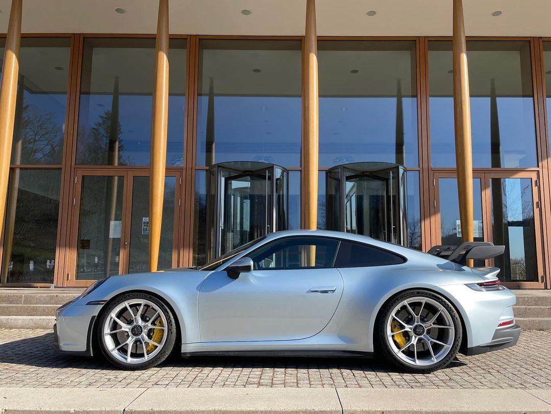 Porsche-911-GT3-Lamborghini-Color-11