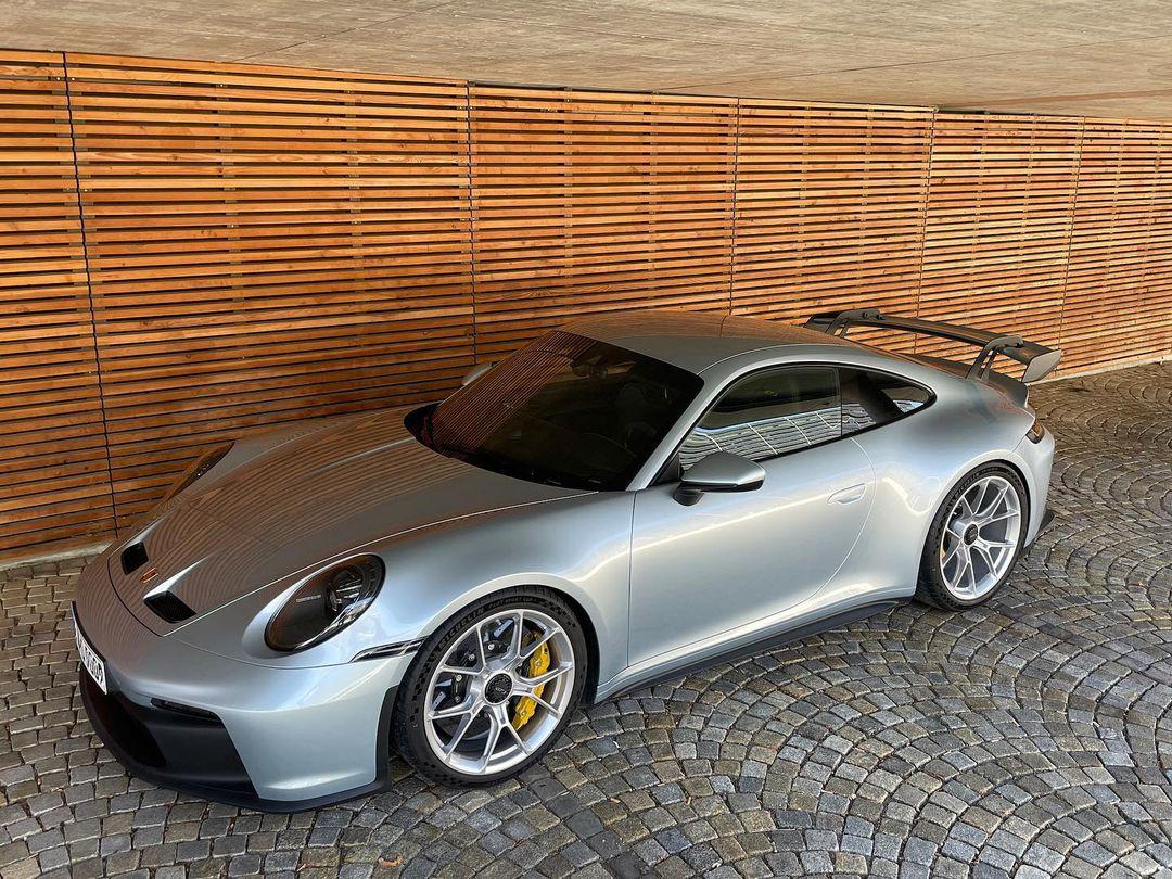Porsche-911-GT3-Lamborghini-Color-12