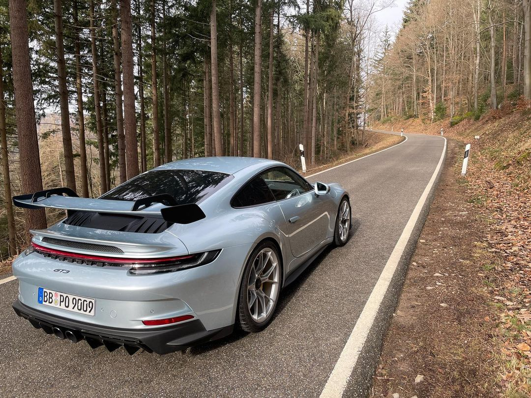 Porsche-911-GT3-Lamborghini-Color-2