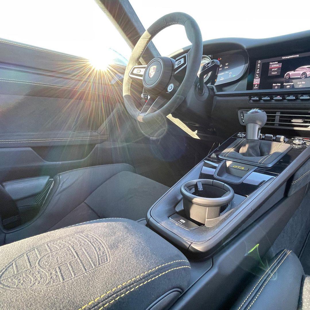 Porsche-911-GT3-Lamborghini-Color-7