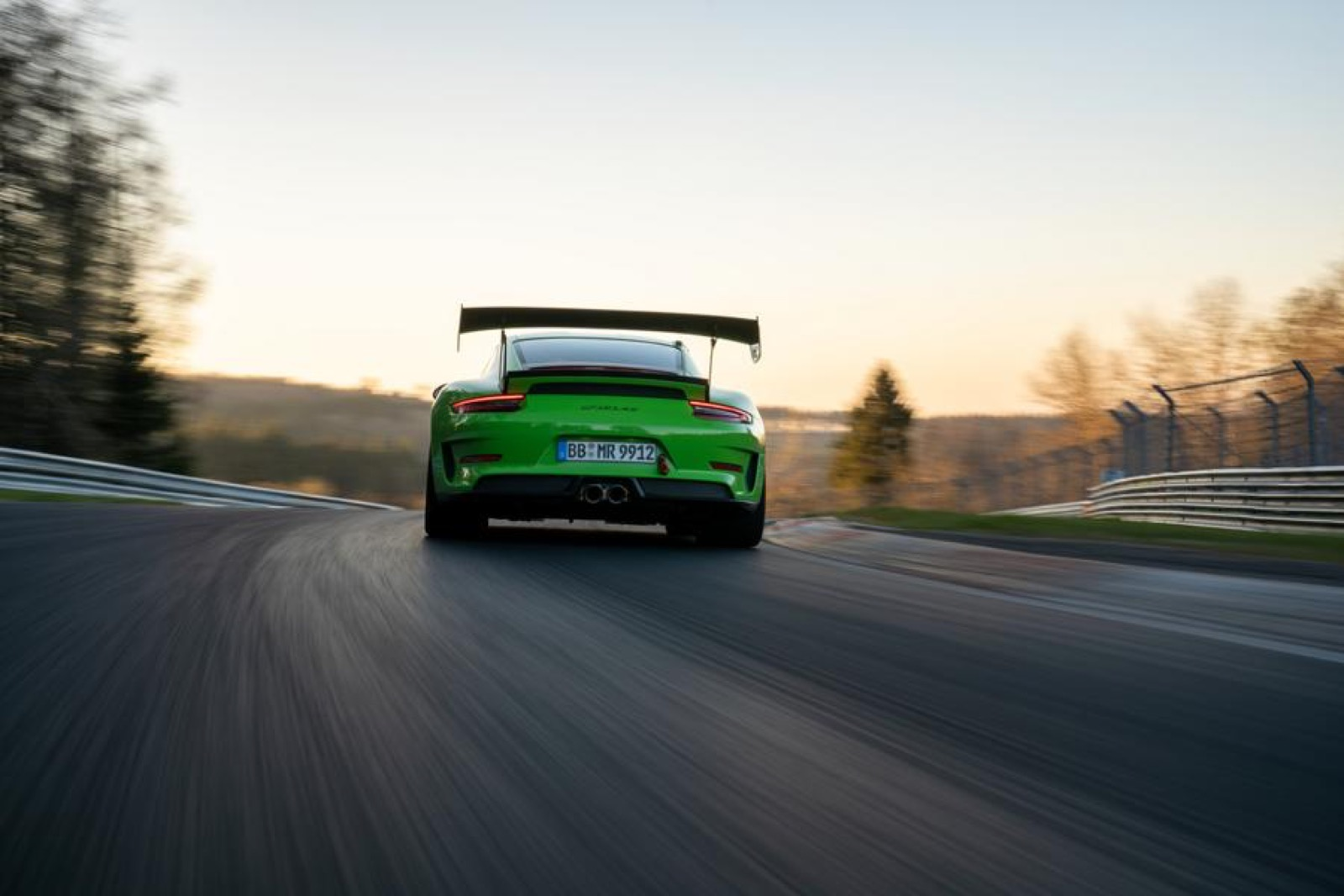 Porsche-911-GT3-RS-MR-by-Manthey-Racing-10