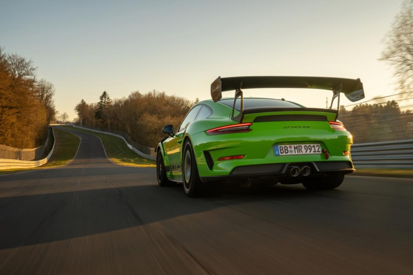 Porsche-911-GT3-RS-MR-by-Manthey-Racing-11