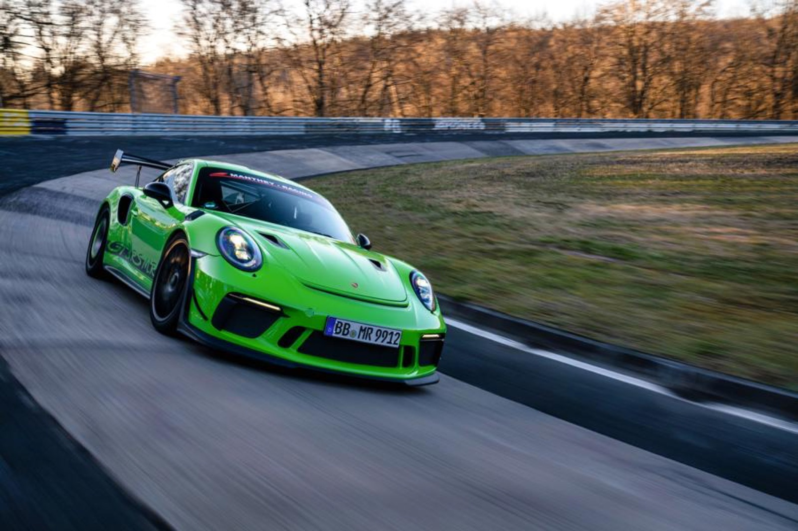 Porsche-911-GT3-RS-MR-by-Manthey-Racing-12