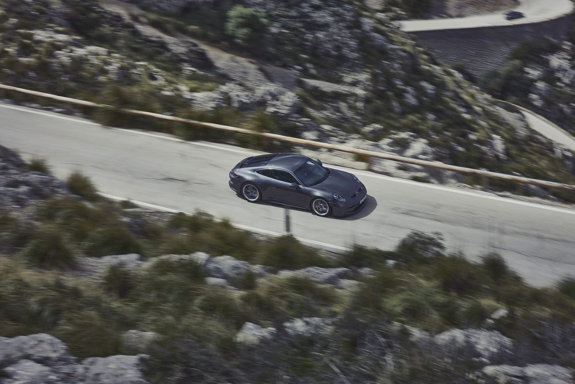Porsche-911-GT3-Touring-Package-10