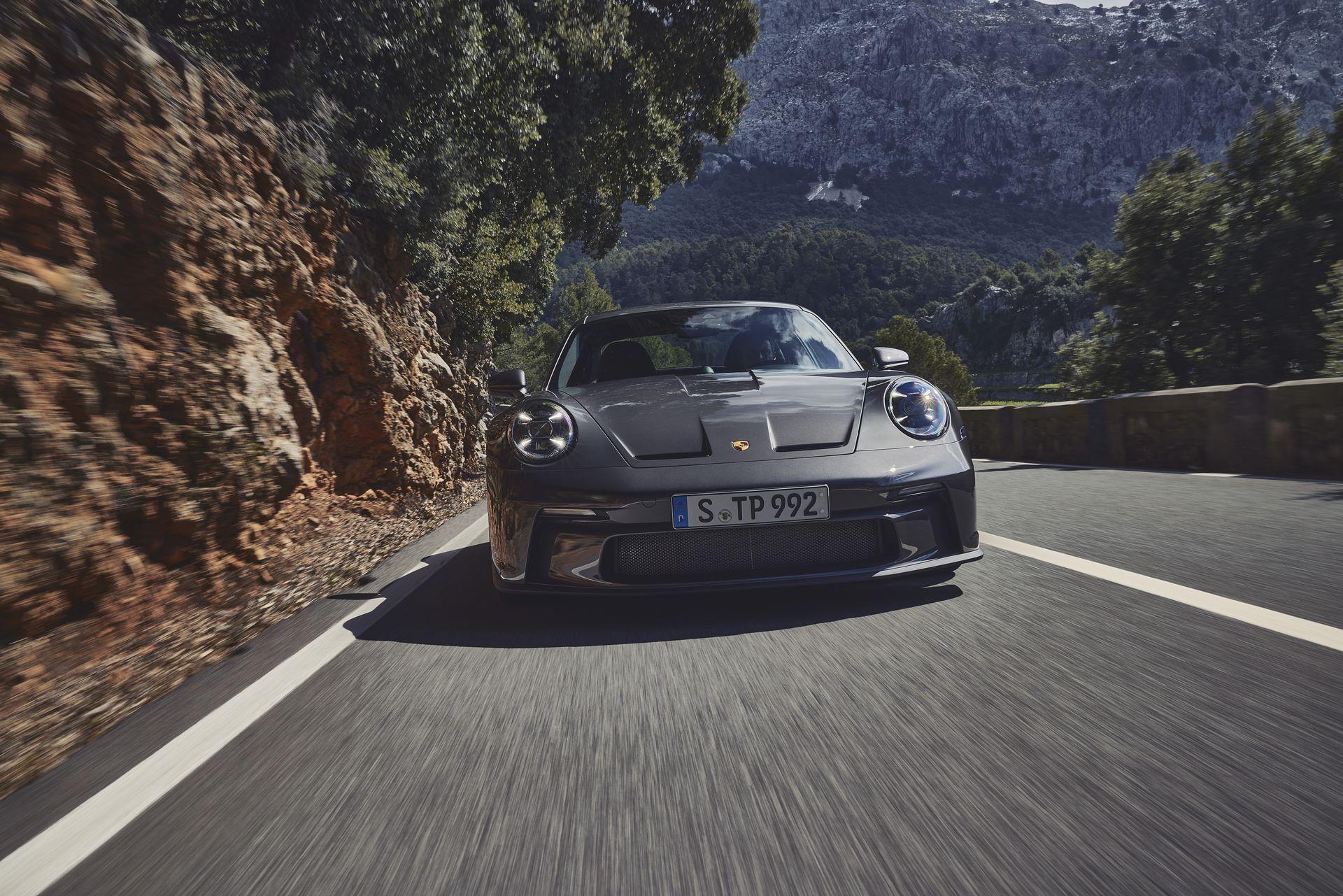 Porsche-911-GT3-Touring-Package-12