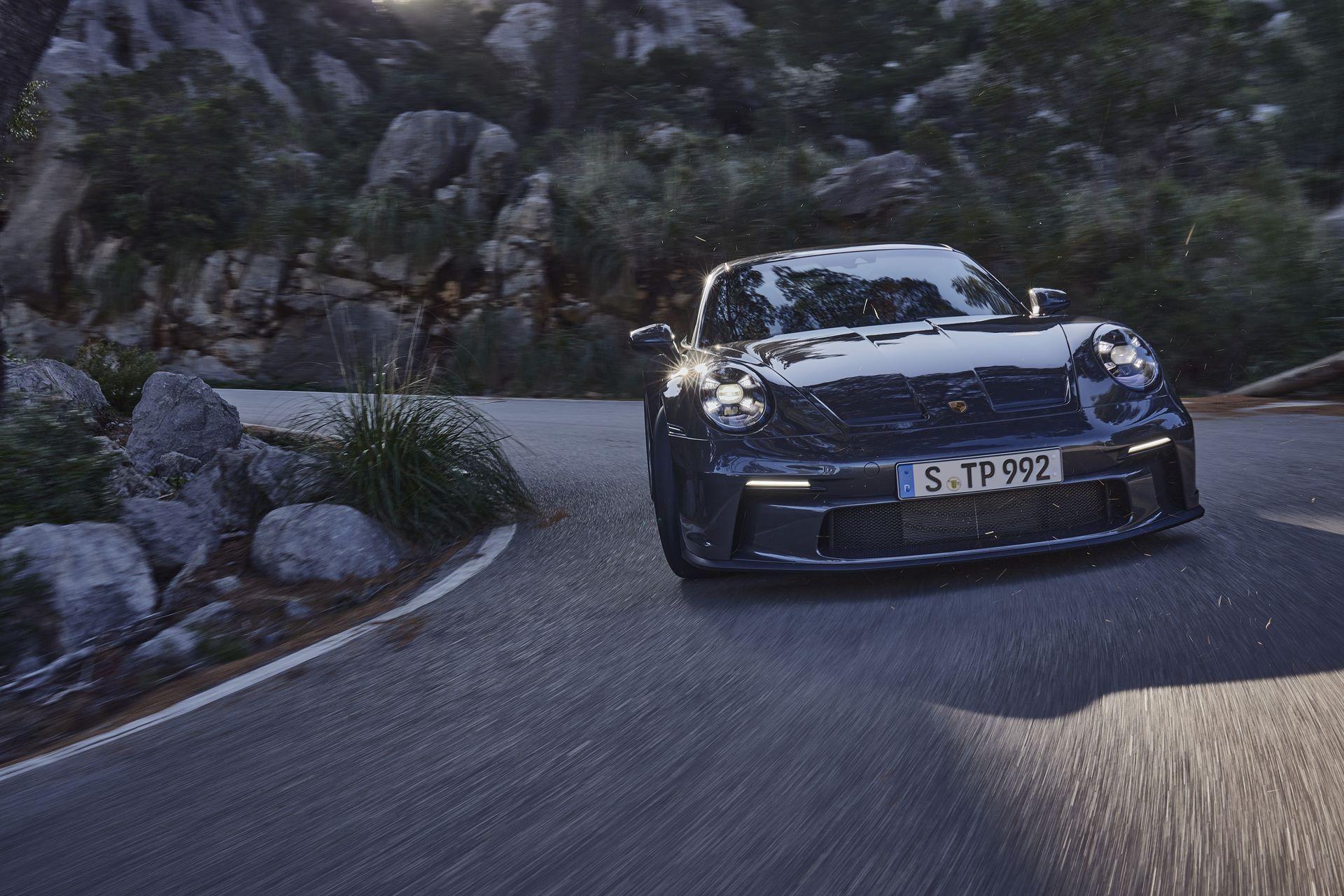 Porsche-911-GT3-Touring-Package-14