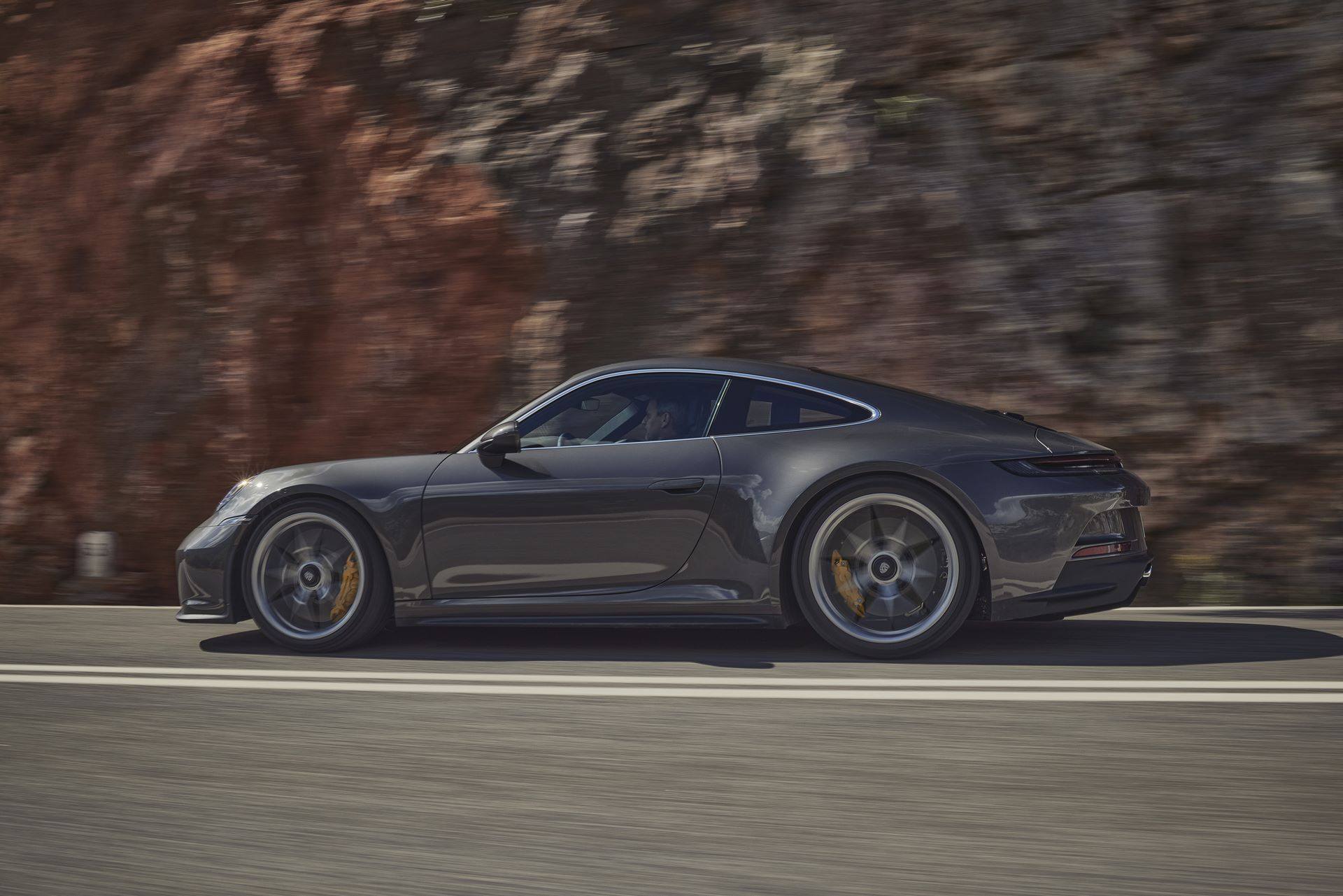 Porsche-911-GT3-Touring-Package-15