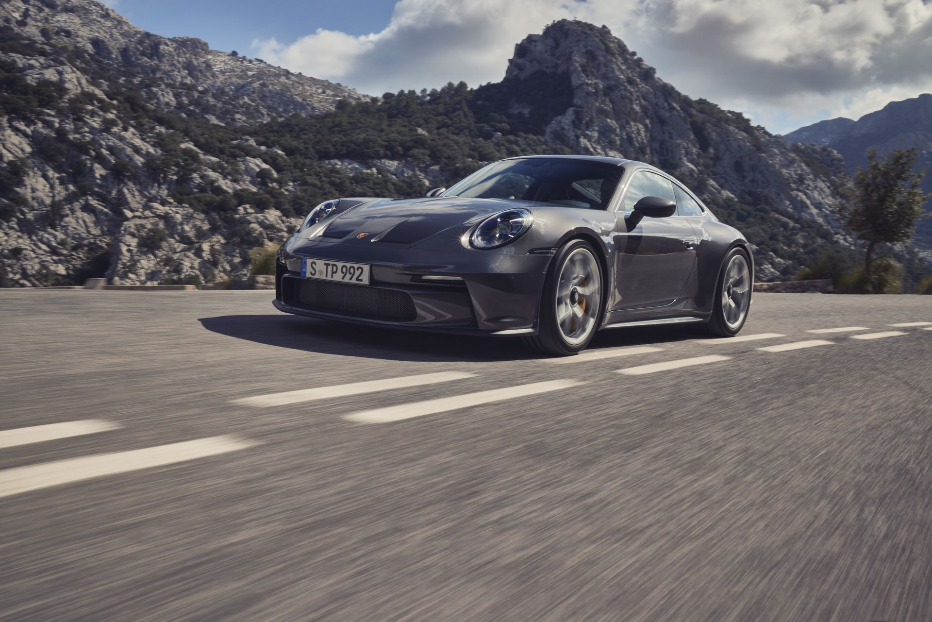 Porsche-911-GT3-Touring-Package-16