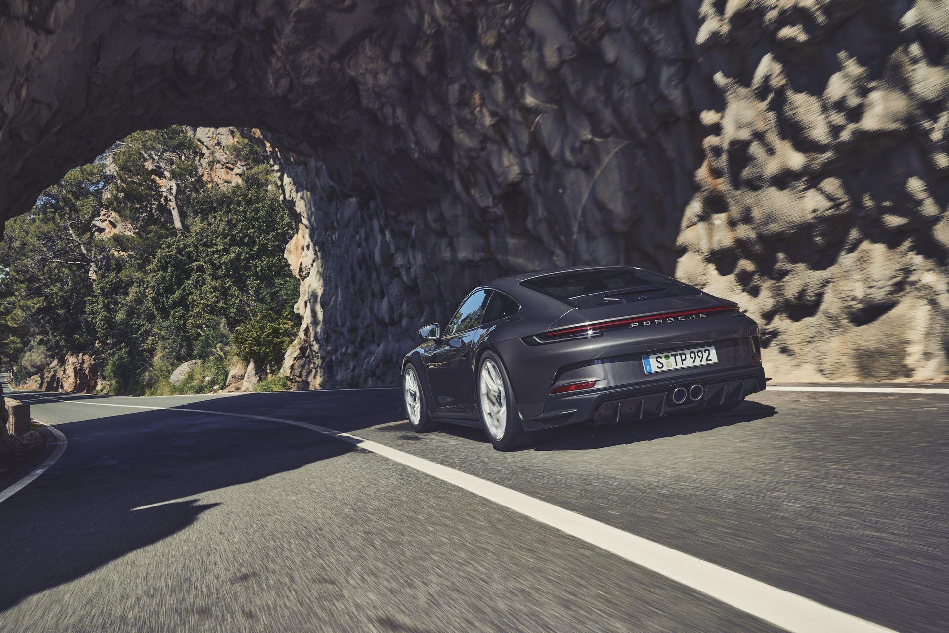 Porsche-911-GT3-Touring-Package-17