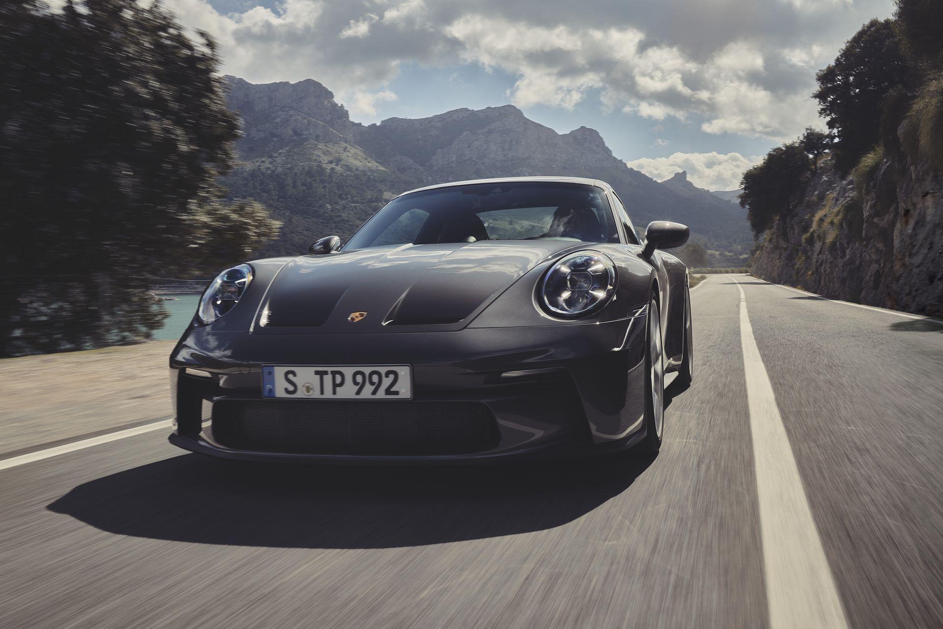 Porsche-911-GT3-Touring-Package-18