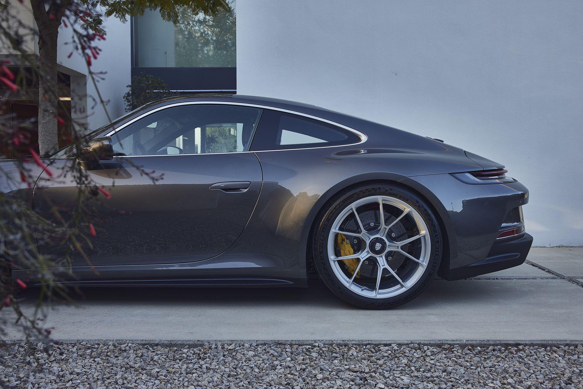 Porsche-911-GT3-Touring-Package-24