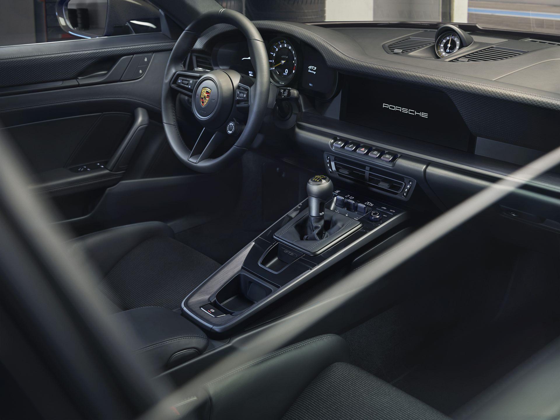 Porsche-911-GT3-Touring-Package-28