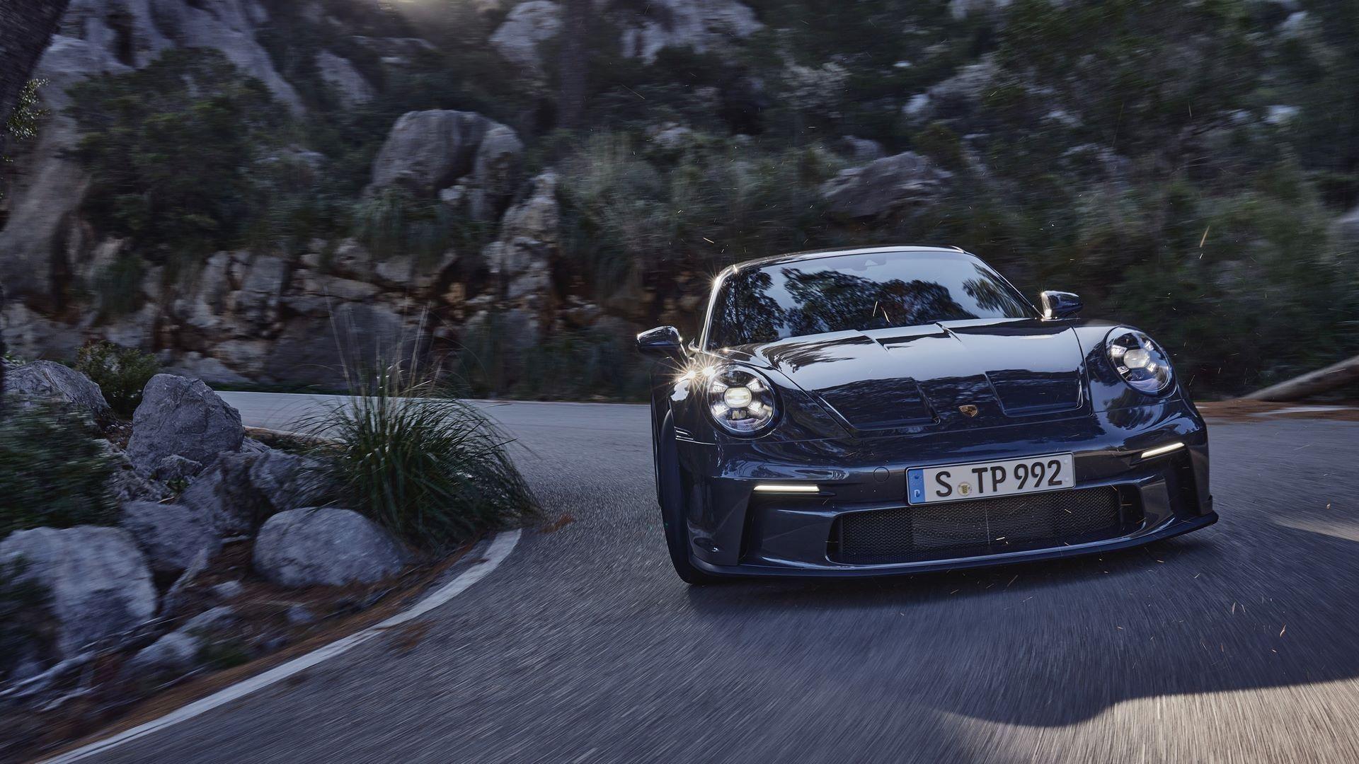 Porsche-911-GT3-Touring-Package-6