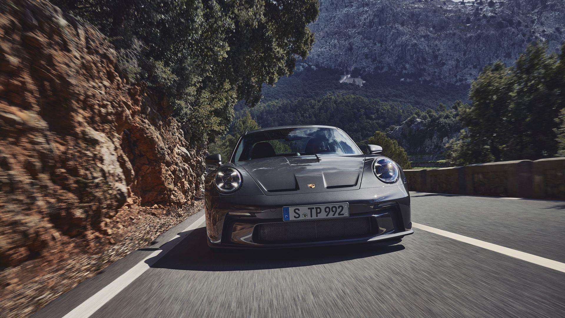 Porsche-911-GT3-Touring-Package-7