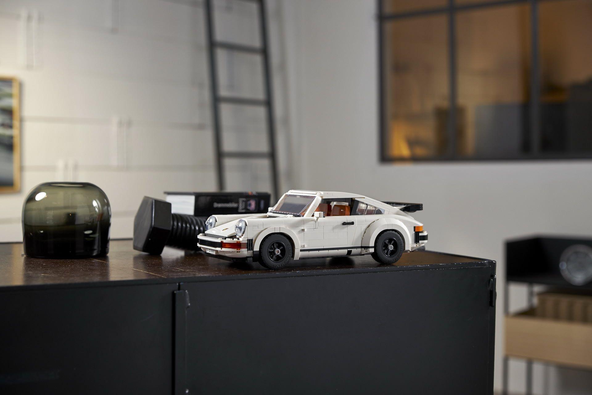 Porsche-911-Turbo-and-Targa-kit-8