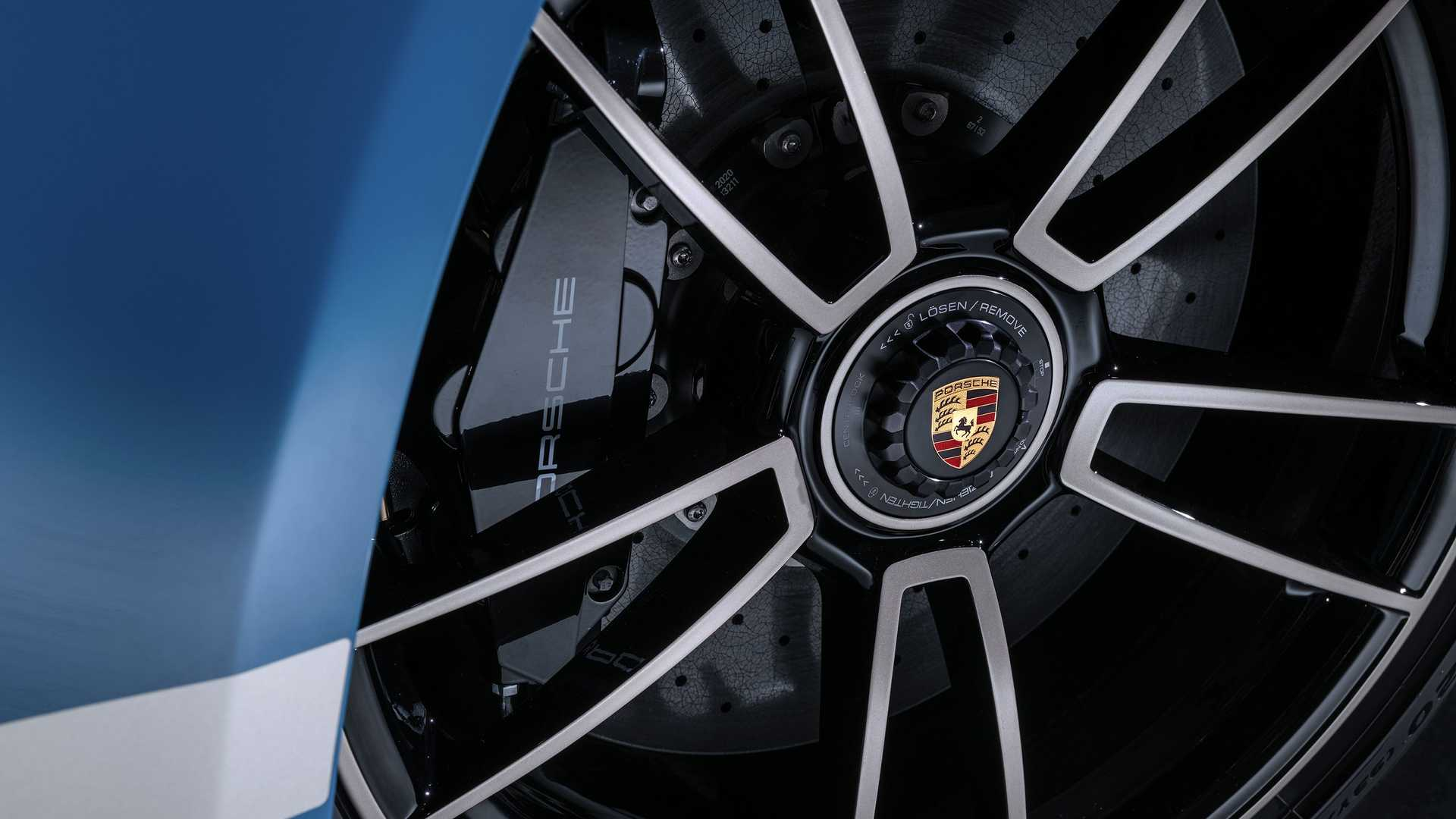 Porsche-911-Turbo-S-20th-Anniversary-Edition-15