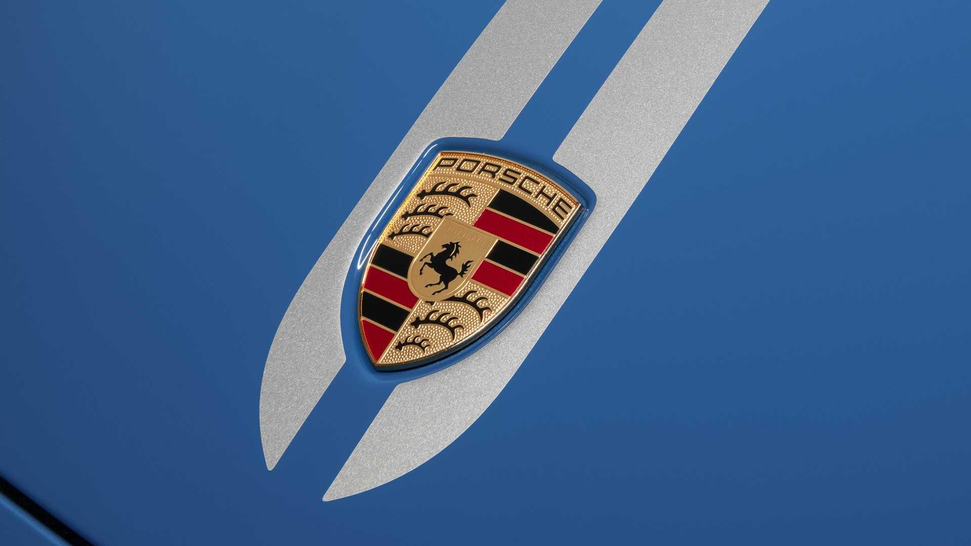 Porsche-911-Turbo-S-20th-Anniversary-Edition-17