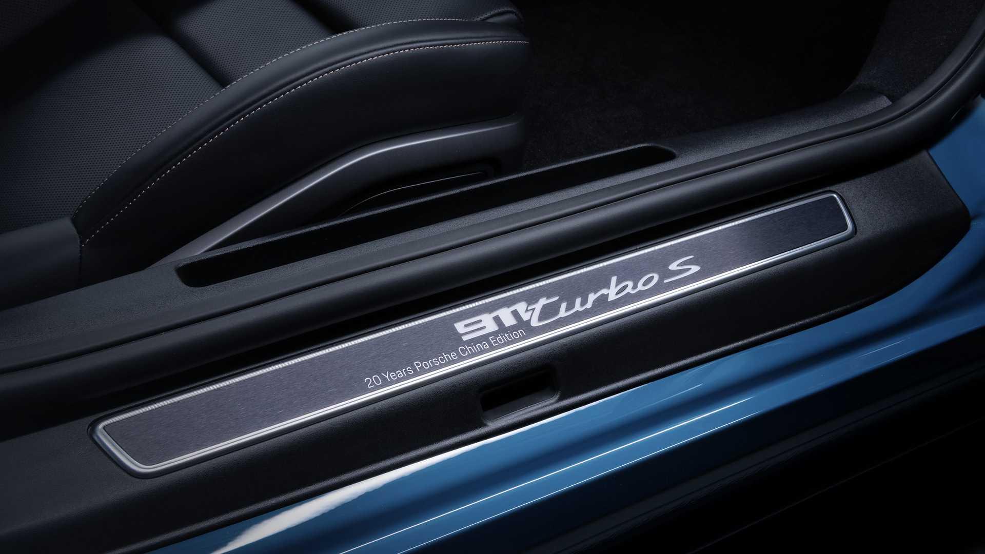 Porsche-911-Turbo-S-20th-Anniversary-Edition-20