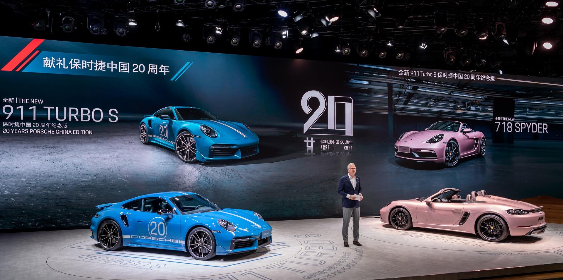 Porsche-911-Turbo-S-20th-Anniversary-Edition-4