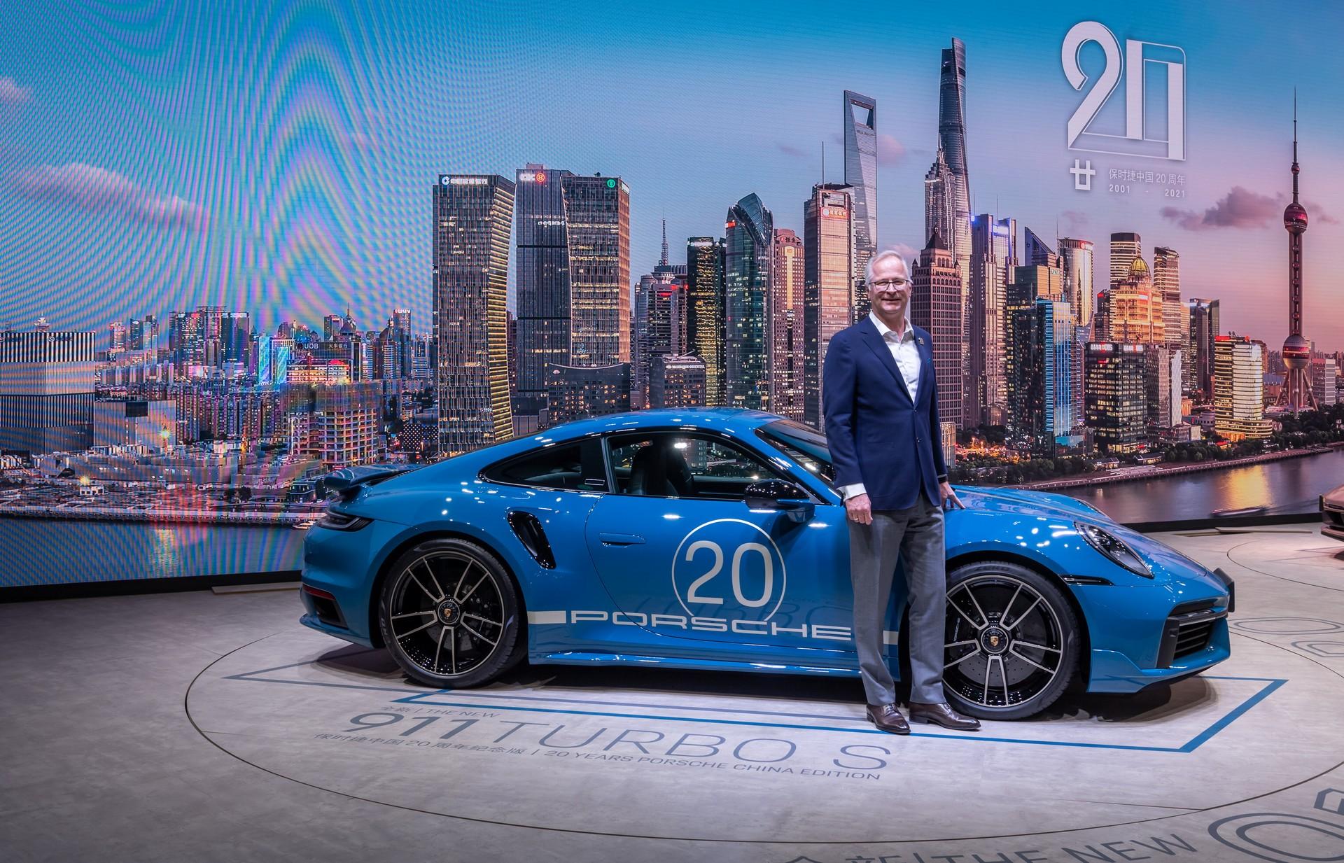 Porsche-911-Turbo-S-20th-Anniversary-Edition-6