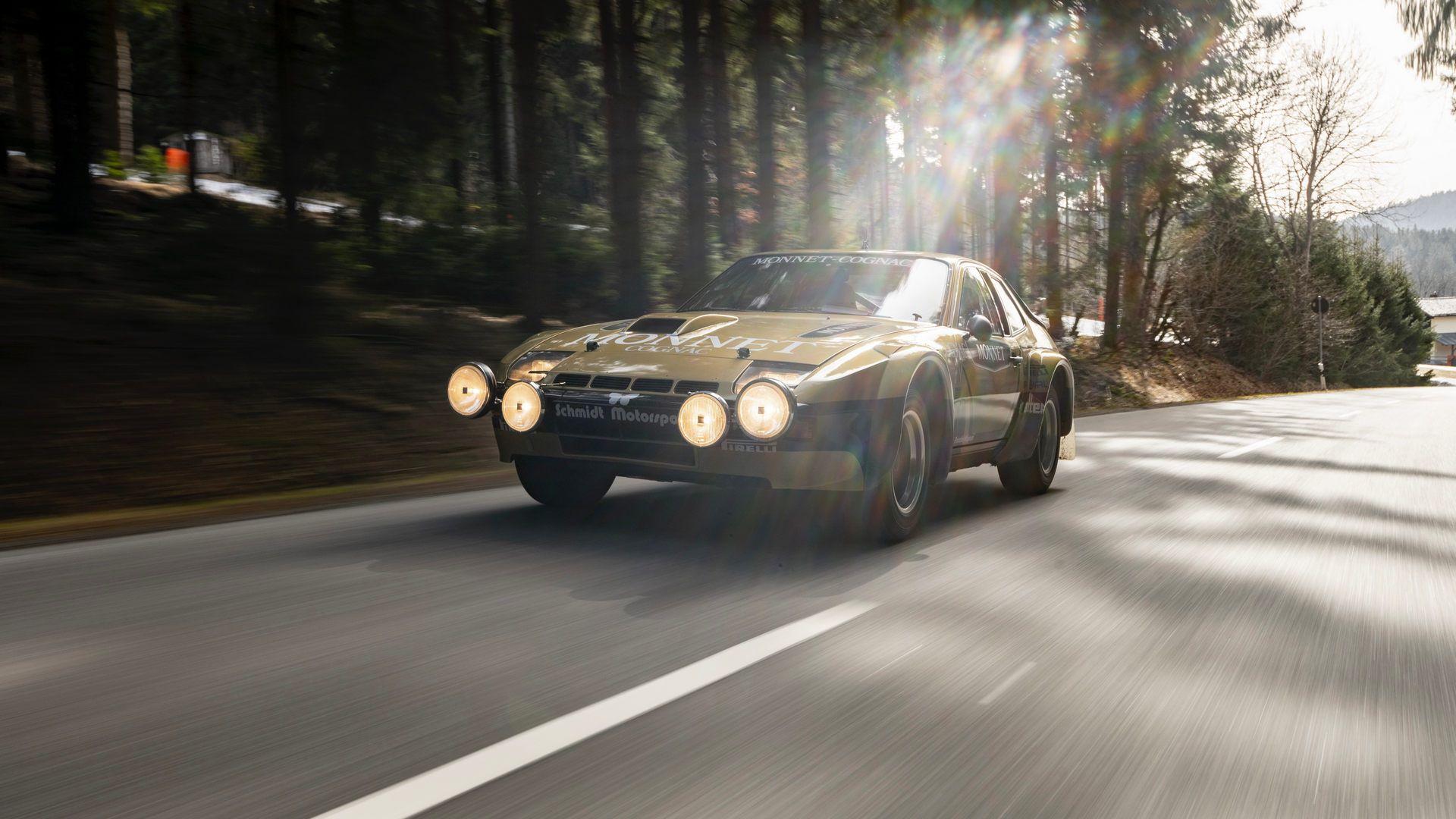 Porsche-924-Carrera-GTS-rally-car-Walter-Rohrl-10