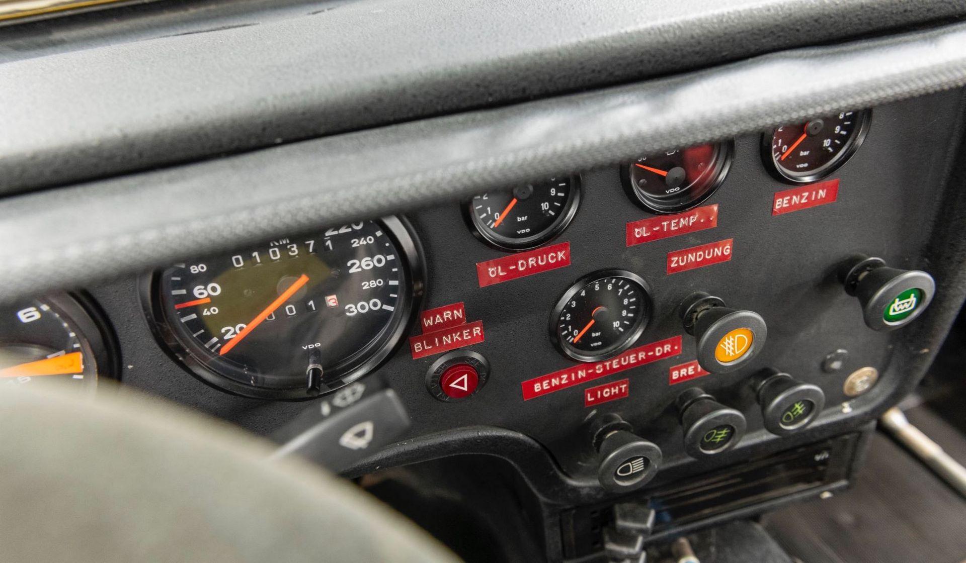 Porsche-924-Carrera-GTS-rally-car-Walter-Rohrl-20
