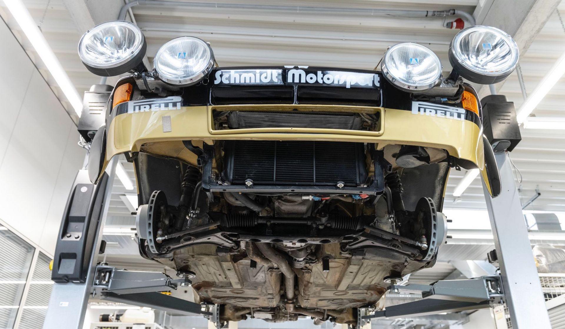 Porsche-924-Carrera-GTS-rally-car-Walter-Rohrl-23