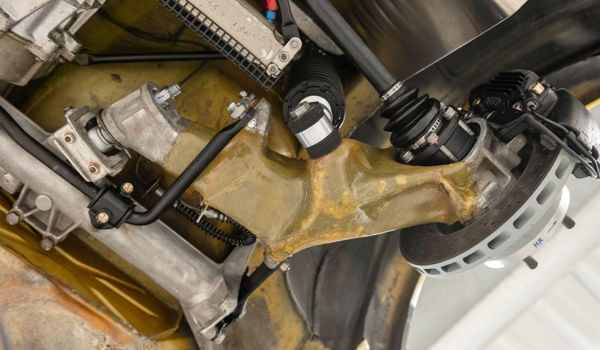 Porsche-924-Carrera-GTS-rally-car-Walter-Rohrl-25