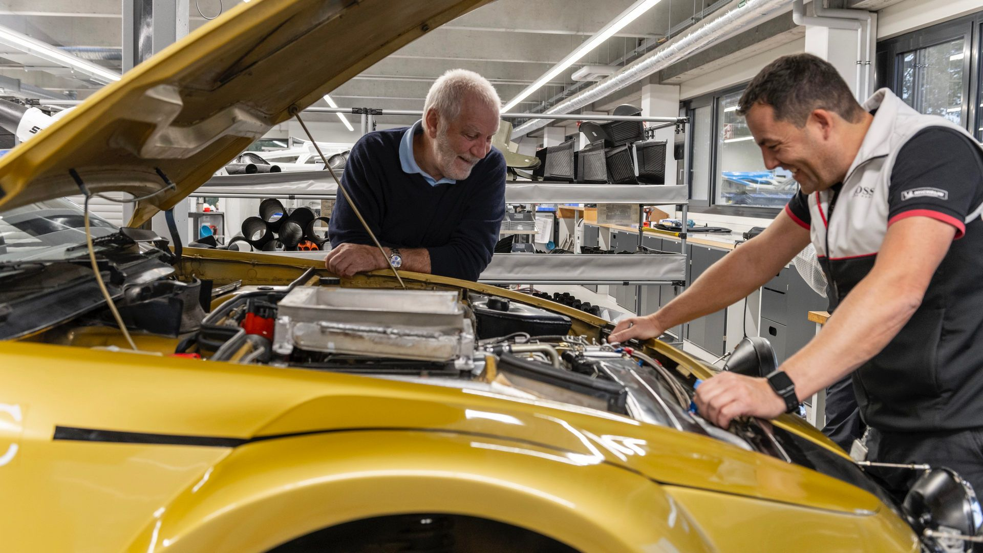 Porsche-924-Carrera-GTS-rally-car-Walter-Rohrl-33