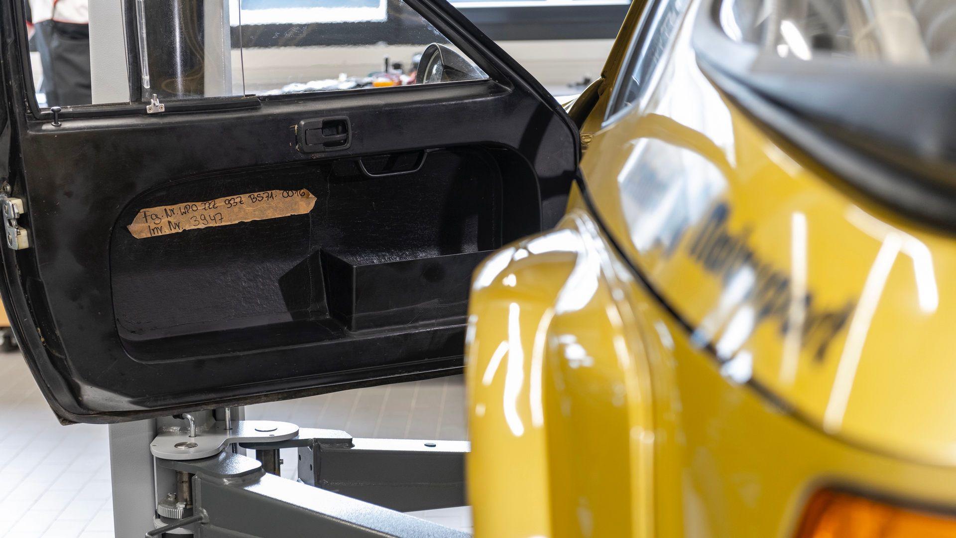 Porsche-924-Carrera-GTS-rally-car-Walter-Rohrl-35
