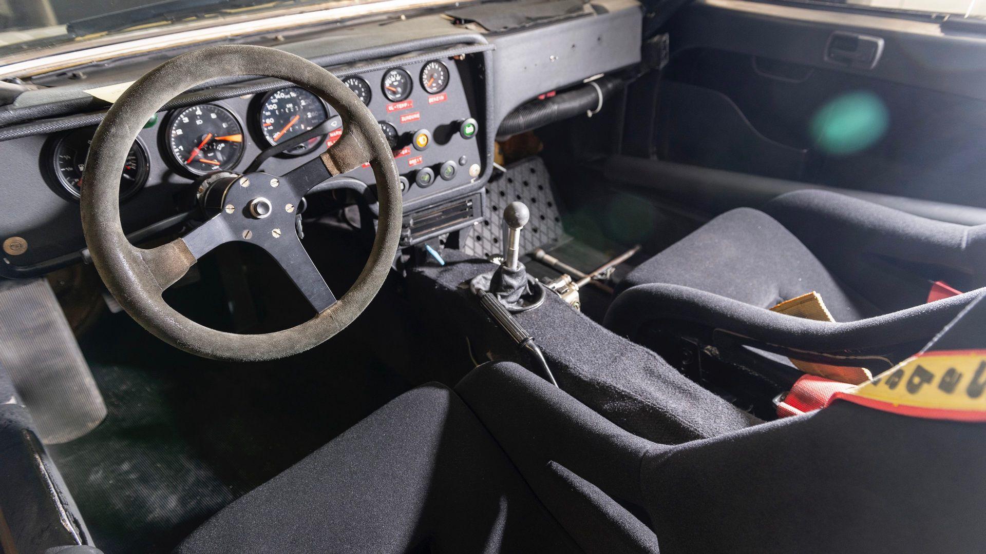 Porsche-924-Carrera-GTS-rally-car-Walter-Rohrl-36