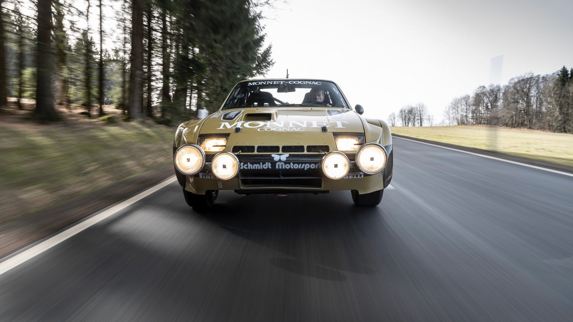 Porsche-924-Carrera-GTS-rally-car-Walter-Rohrl-8