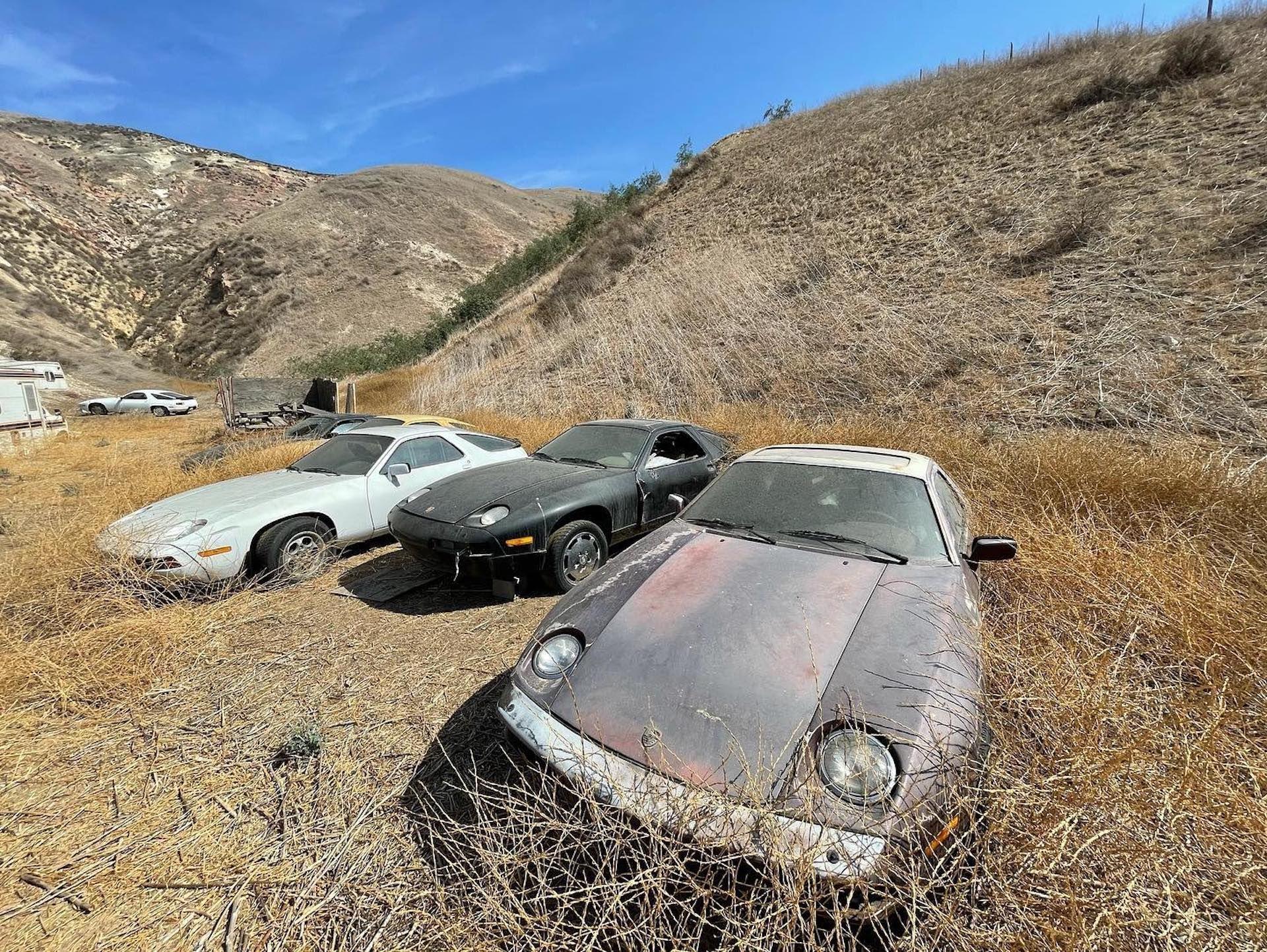 Porsche-928-abandoned-4