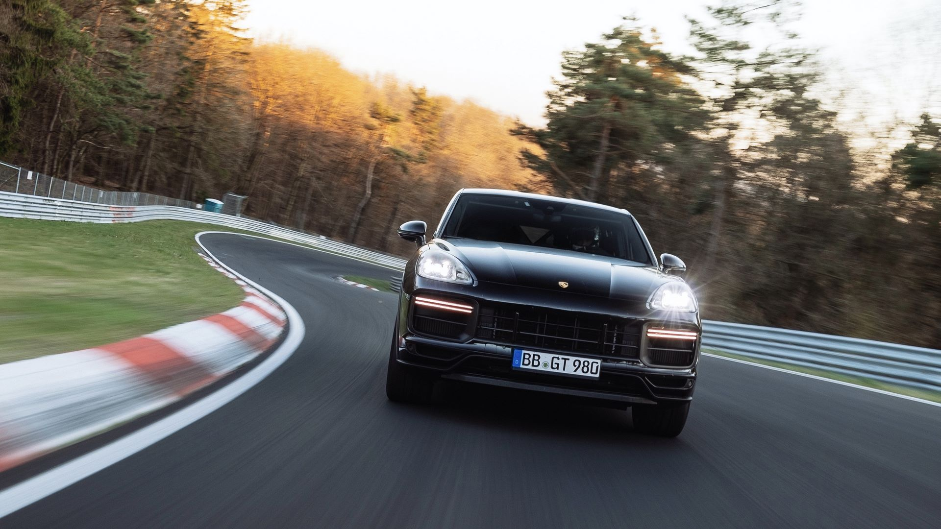 Porsche-Cayenne-Coupe-Nurburgring-SUV-lap-record-2
