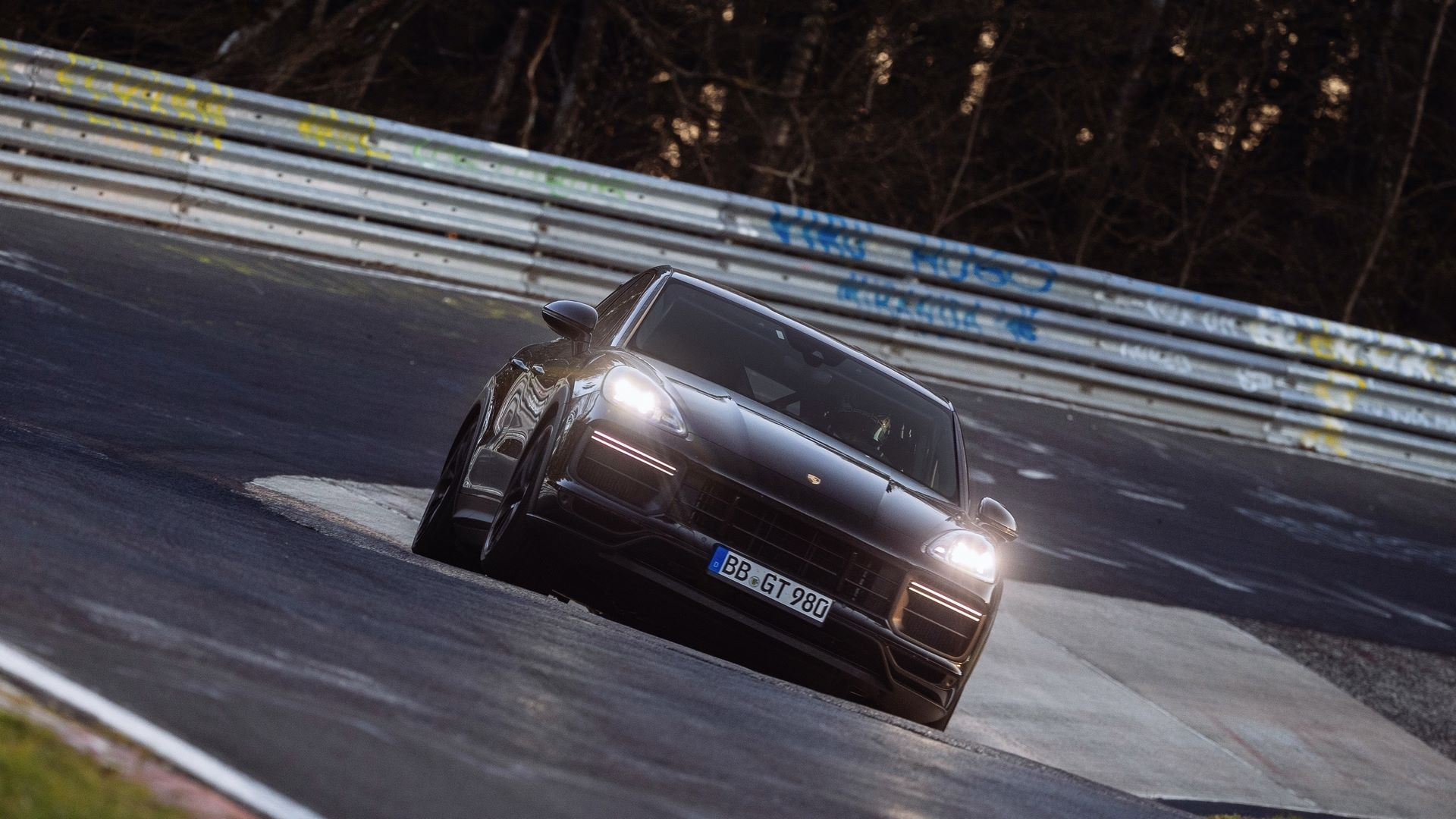 Porsche-Cayenne-Coupe-Nurburgring-SUV-lap-record-3