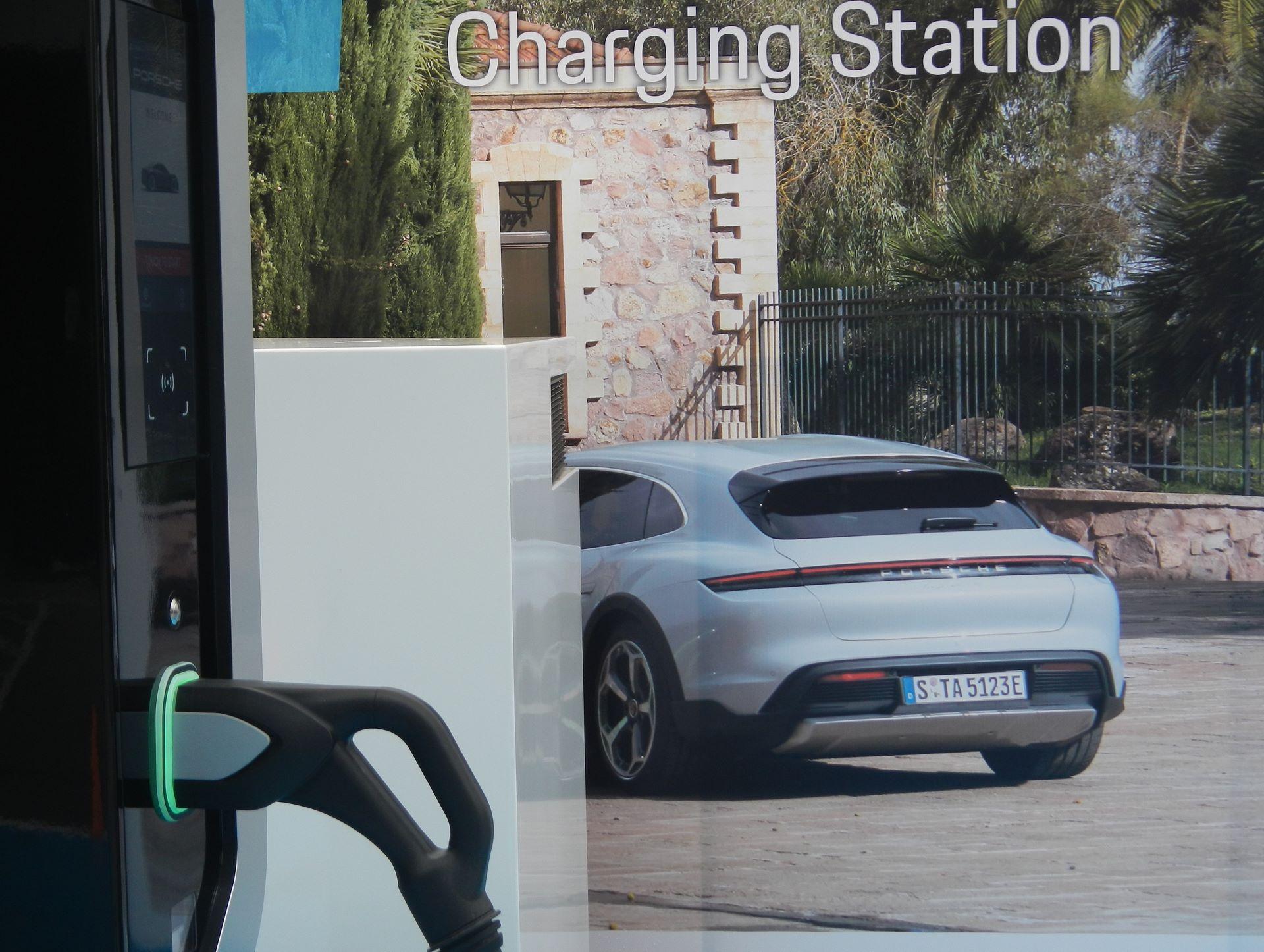 Porsche-Center-Athens-Turbo-Charger-1