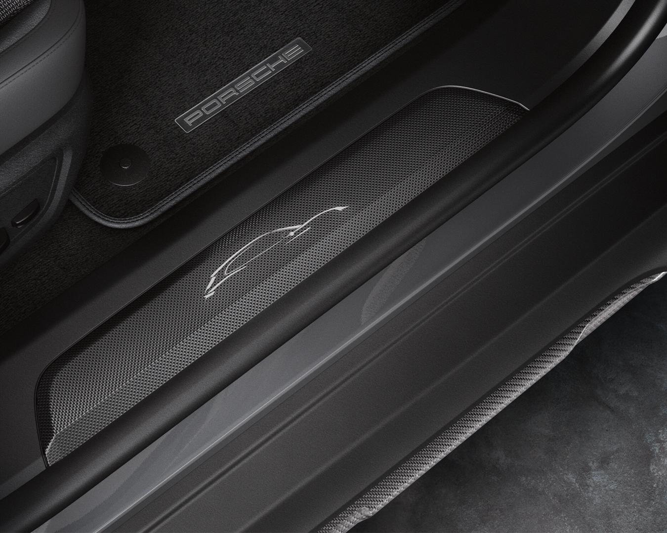Porsche-Exclusive-Taycan-Cross-Turismo-6