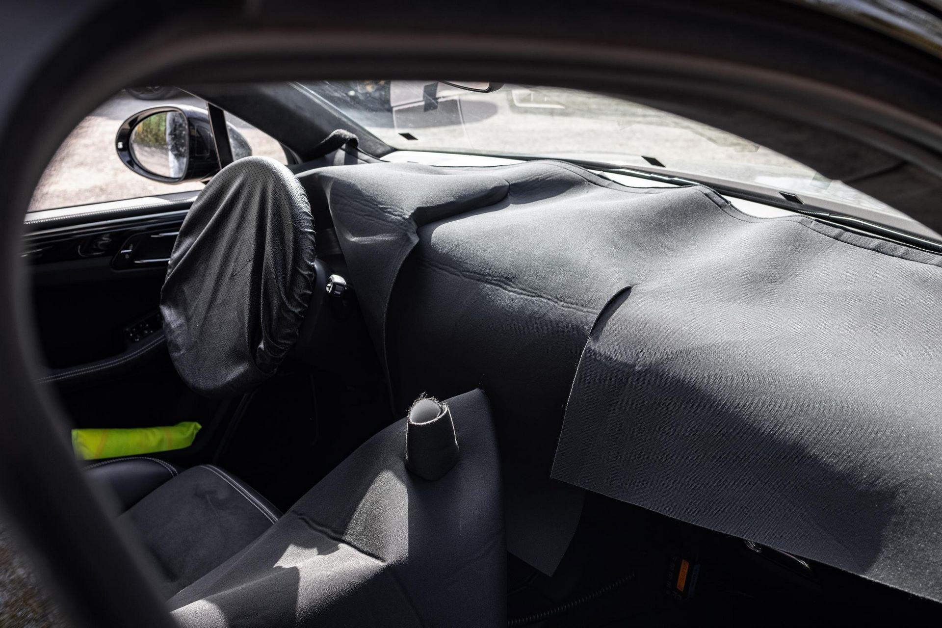 Porsche-Macan-facelift-testing-12